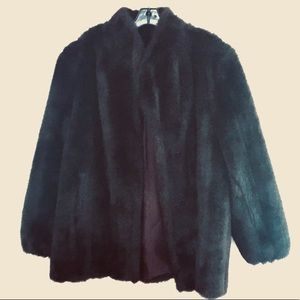 Jackets & Blazers - Faux Fur Coat • Size XL •